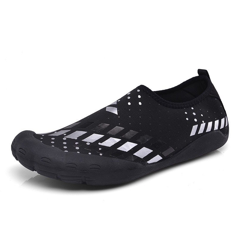 Water Shoes For Man Quick Drying Five Finger Swimming Black Water Shoes Summer Seaside Surfing Beach Yoga Shoes Uomo Sportive