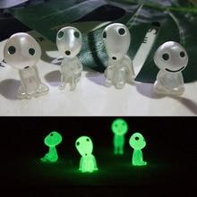 8 pçs/lote Kodamas dos desenhos animados mini Figuras de Ação Ghibli Mononoke Brilham no escuro Luminous Elf modelo Resina Noctilucentes Brinquedos figura