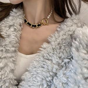 TN-231 French fashion retro leather chain pearl OT buckle necklace female simple personality temperament clavicle chain
