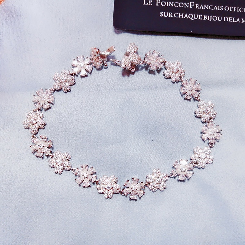 Review Flower Bracelet S925 Sterling Silver micro inlaid zircon fashion women's exquisite Party style exquisite jewelry