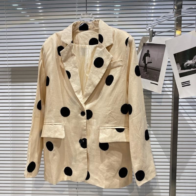 بولكا دوت ثنائي الجيوب تصميم القطن القنب السترة المرأة 2021 الخريف نمط جديد صغير العطر البيج سترة