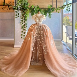 Vestidos Dubai Champagne Evening Dress 2020 Celebrity Dress Arabic Middle East Puffy Beaded Prom Dress Robes Party Night Gowns