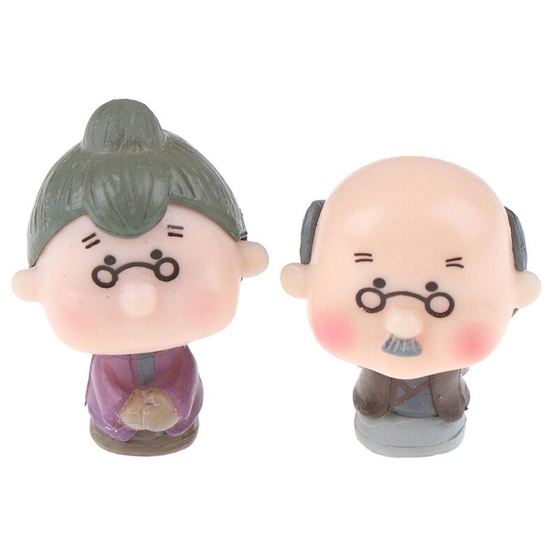 2 unids/lote, figura de acción, pareja de abuelos, micropaisaje microscópico, pequeño jardín, decoración de dibujos animados de PVC, muñeca de Anime en miniatura