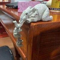 Elephant Resine Decoration Sweet Figurine Maison Ornement Animal Decor De Bureau A La Main Artisanat Sculpture Pour La Maison Decor Fournitures
