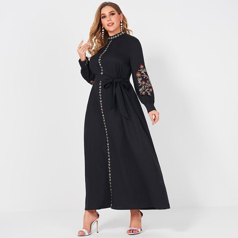 فستان نسائي أسود للحفلات طويل الأكمام مزين بالزهور وياقة ثابتة صغيرة مصممة على الموضة بمنتجع للسيدات 4XL