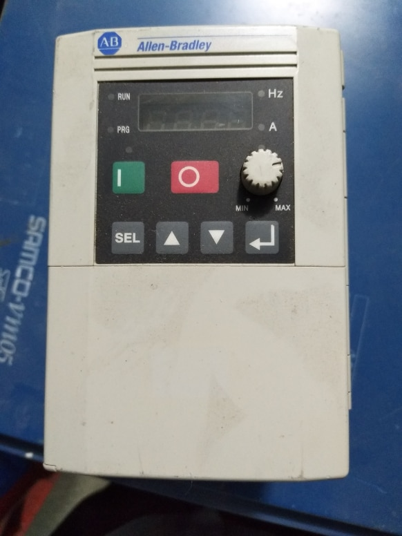 عاكس 161S-AA02NPK 0.4KW 220V ، مستعمل ، مظهر جديد 90% ، منتجات اختبار ، شحن مجاني