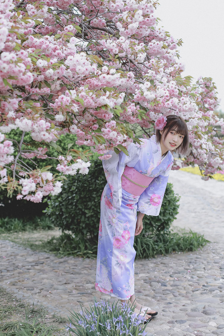 Women's Yukata Traditional Japan Kimono Robe Photography Dress Cosplay Costume purple Color flower Prints Vintage Clothing