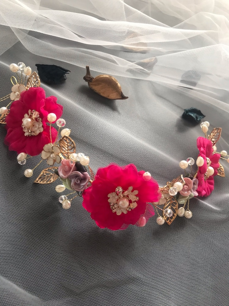 حار الوردي زهرة الكاميليا إكليل تاج مهرجان عقال النساء إكسسوارات الشعر غطاء الرأس فتاة الزفاف الزهور جارلاند