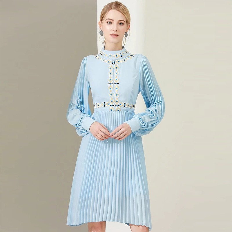 Été 2020 nouvelle mode bleu ciel bleu robe brodée soie mousseline de soie glace soie fermeture éclair robe plissée jupe courte manches longues