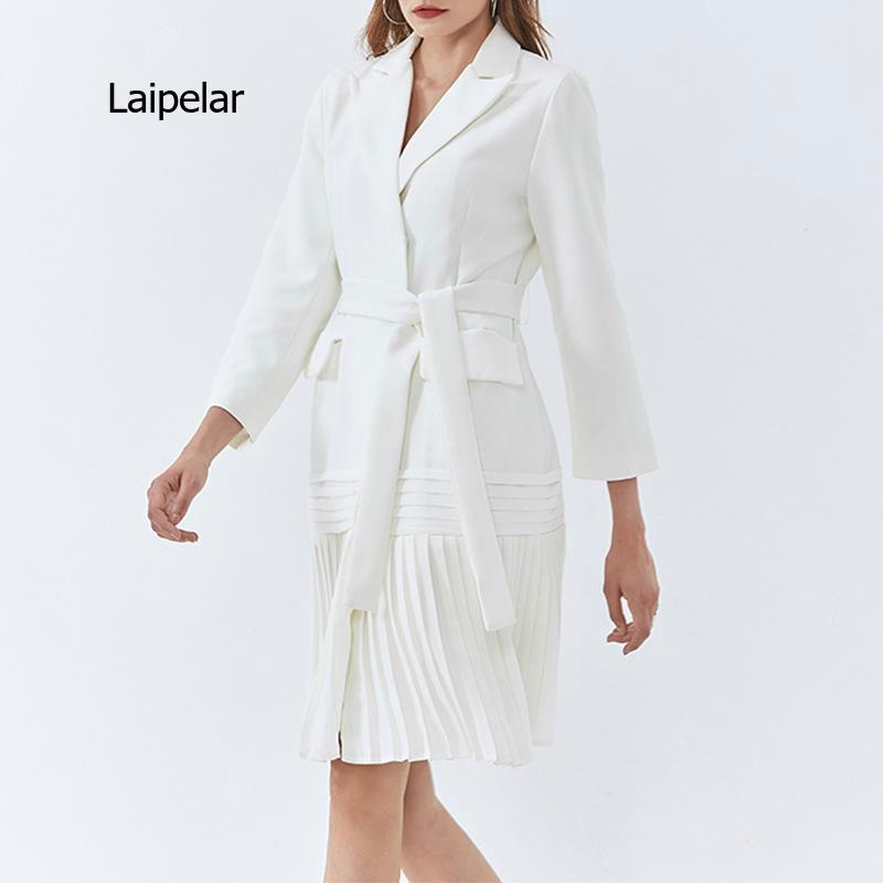 2021 ربيع جديد مكتب نمط أنيق لون نقي مطوي الدانتيل يصل جيب كبير تصميم متوسطة طول دعوى سترة للنساء