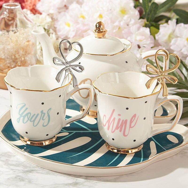 Juego de té de cerámica europeo, taza de café con borde dorado, tetera de flores con mango, suministros de cocina casera duraderos, decoración de escritorio, regalos para amigos