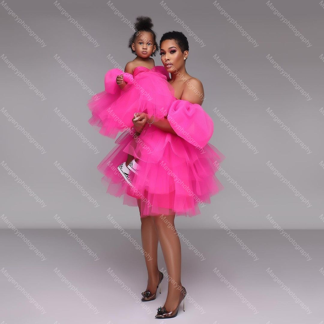 Newest Rose Pink Mother And Daughter Mini Tulle Dress To Photo Shoot Pretty Fluffy Mesh Mom And Kids Party Gowns Puff Sleeves enlarge