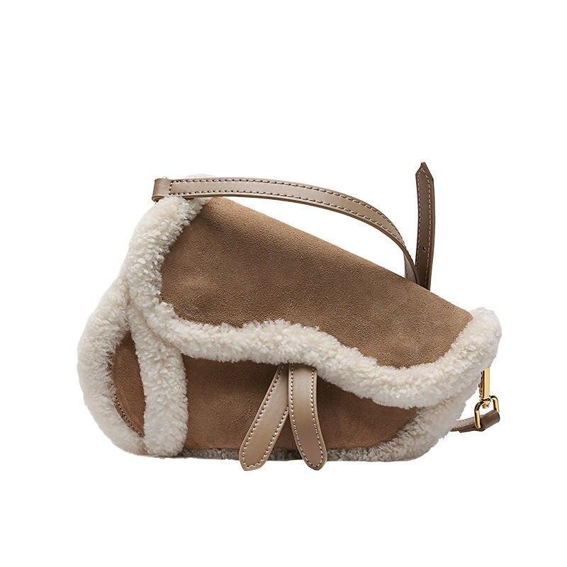 Women's Shoulder Bag Saddle Shape Vintage Lamb Wool Plush Crossbody Bag Wholesale Winter Cute Brown