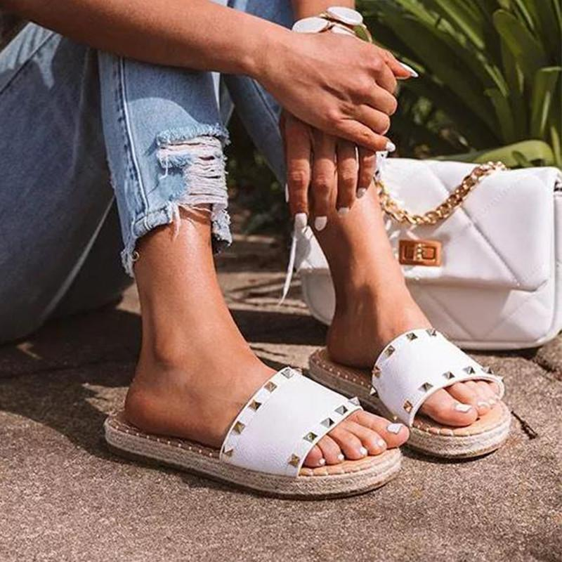 2021 New Women's Shoes Fashion Casual Solid Color PU Simple Open Toe Rivet Decoration Round Head Flat Comfortable Sandals 7KG142