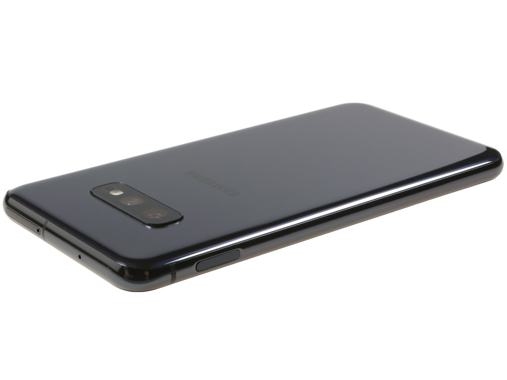 Samsung Galaxy S10e smartphone 1080 x 2280 pixels 5.8 inches 3100 mAh enlarge
