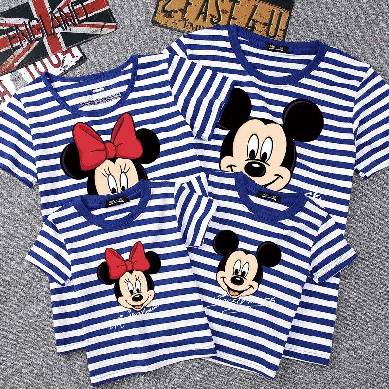 قمصان ديزني الصيفية للعائلة ملابس متشابهة للأم والأب والابن قمصان للأطفال ملابس عائلية للأطفال ملابس ميكي ميني