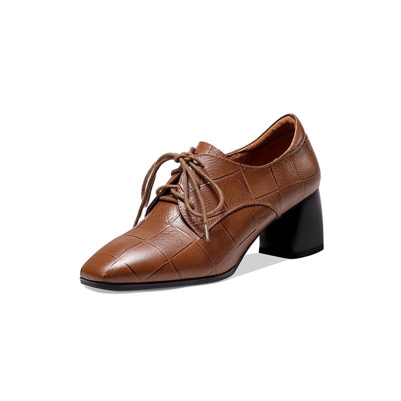 Ins bombas femininas sapatos de couro natural plus size em relevo padrão de pedra redondo salto grosso sapatos femininos