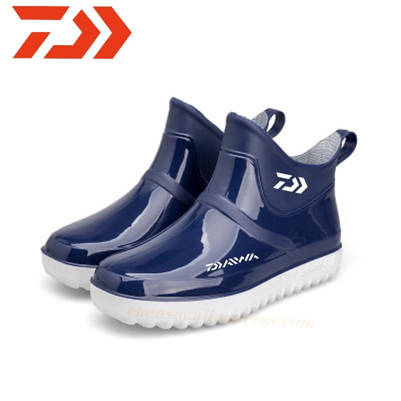 Daiwa 2020, Botas de lluvia impermeables de pesca para hombres, Botas de lluvia para Montañismo al aire libre, Color sólido, zapatos de pesca Daiwa de moda