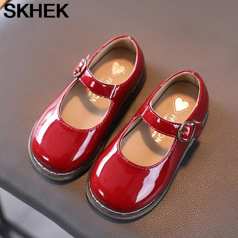SKHEK Kids Solid Color Flat Shoes Shining Patent Leather Sweet Girls All Match Soft Leather Shoes 2-6 Years Old