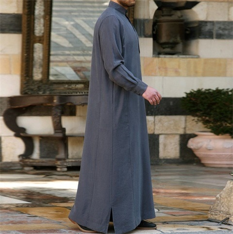 Muslim Arab Middle East Malaysia short-sleeved simple pure color design men's robes