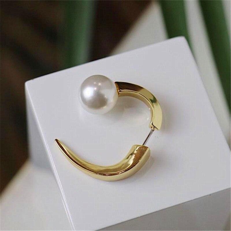 2020 nuevo diseño de punta de alambre de metal de columna de oro, cuerno de buey de metal trenzado geométrico, pendientes de perlas para mujeres chicas regalo fiesta