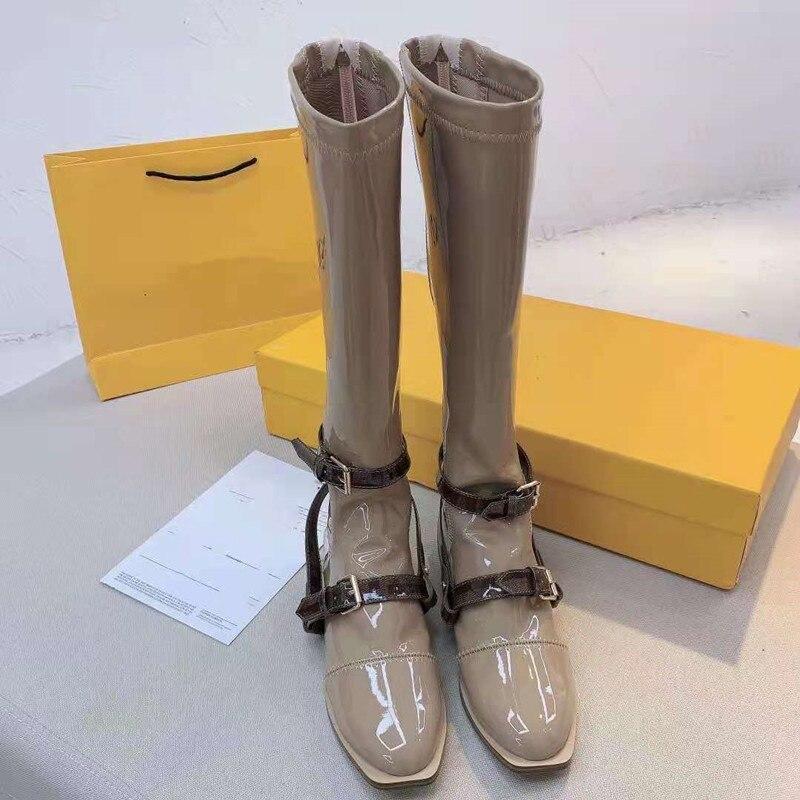 أحذية بوت نسائية موضة 2021 فوق الركبة مصنوعة من الجلد الطبيعي بسوستة وظهر مشبك أحذية طويلة بدون كعب للنساء