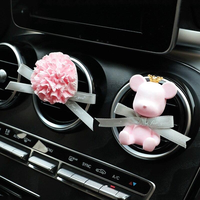 Custom Creative Cup Bear Out of The Air Perfume Clip Car Cartoon Pendant Carnation Fragrance Gypsum
