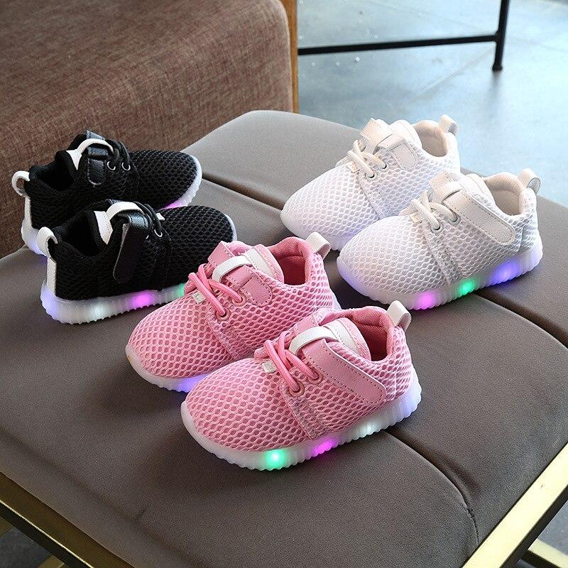 Zapatillas de deporte para bebés, zapatos LED iluminado luminoso para niños pequeños, zapatos casuales para niños y niñas, zapatos planos de malla transpirables, zapatillas infantiles