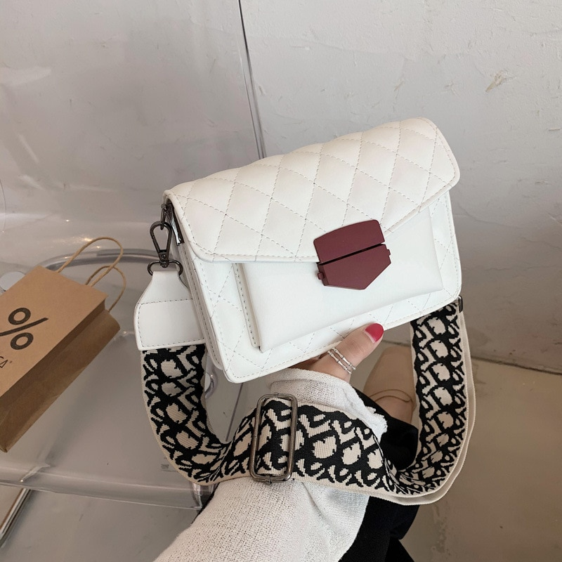 The new French female bag 2021 one shoulder western style fashion ling inclined shoulder bag