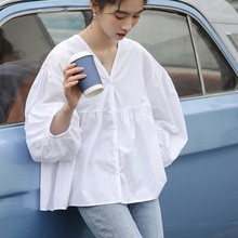 Japanese Style Autumn New 2021 Fashion Loose Blouse Solid Color V-neck Casual Lantern Sleeve Simplic