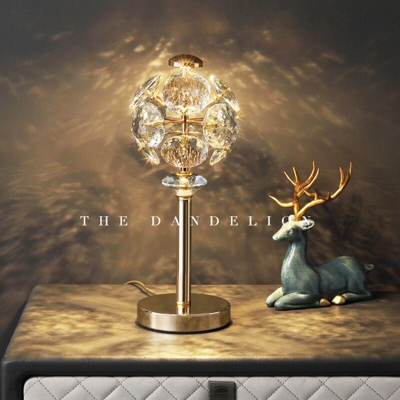 Modern Romantic Crystal Table Light Art Design Home Decor Luxury Living Dining Room Simple Bedroom Bedside Desk Lamp Fixtures