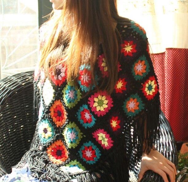 Bufanda hecha a mano de ganchillo borla negra envuelve a las mujeres gran flor Otoño Invierno poncho de bufandas regalo de Navidad abuelita bufanda squar