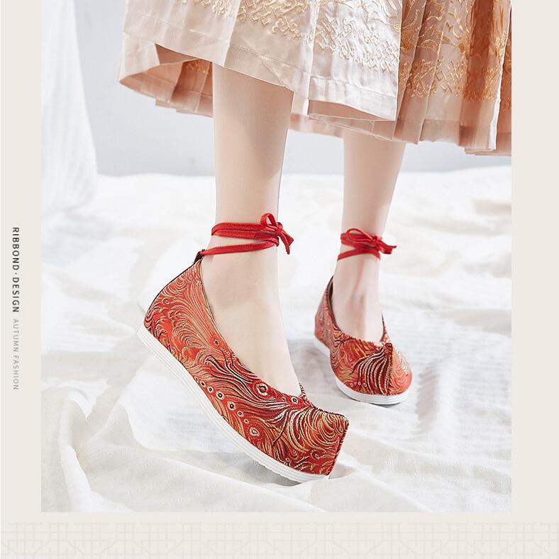 حذاء Hanfu الصيني مع فيونكة مزركشة ورأس مشدود وصوف من الداخل ، حذاء قماش مسطح ، طراز قديم للنساء