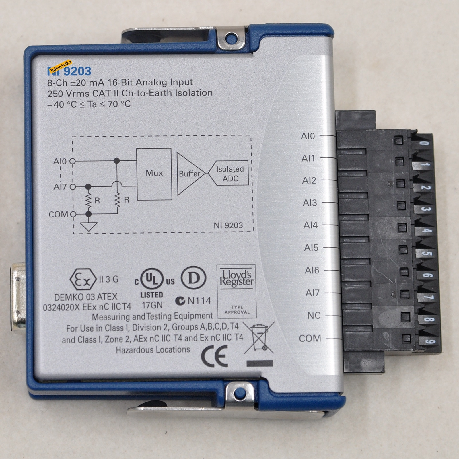 9203 16-bit analog input module 8 channels