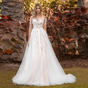 Tulle Half Sleeve Wedding Dresses 2021 A-Line Sheer O-Neck 3D Flowers Lace Appliques Bridal Gown Button Back Sweep Train