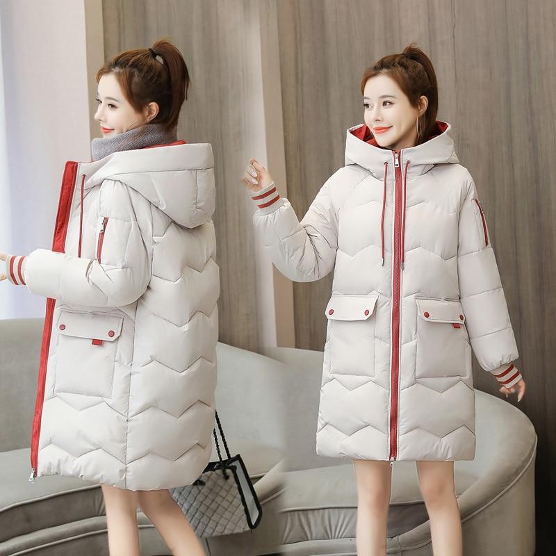 Женская утепленная куртка средней длины, свободная утепленная Студенческая куртка с большими карманами и капюшоном, Корейская версия, зима... фото