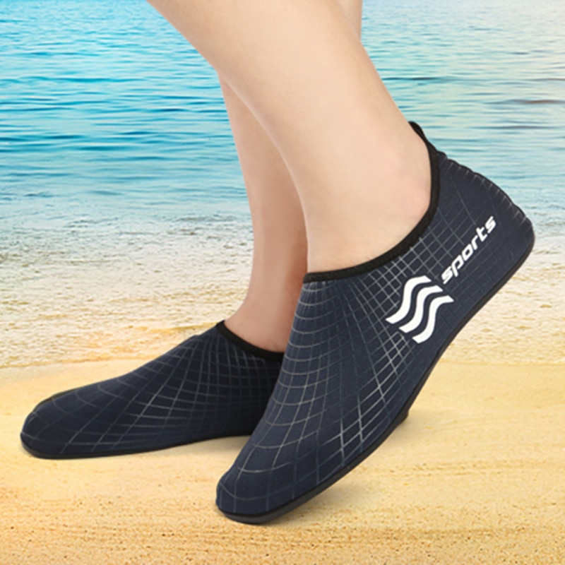 Comfortable Quick Dry Mans Beach Surfing Slippers Flat Soft Aqua Shoes Mans Footwear Swimming Shoes Male Diving Beach Shoes