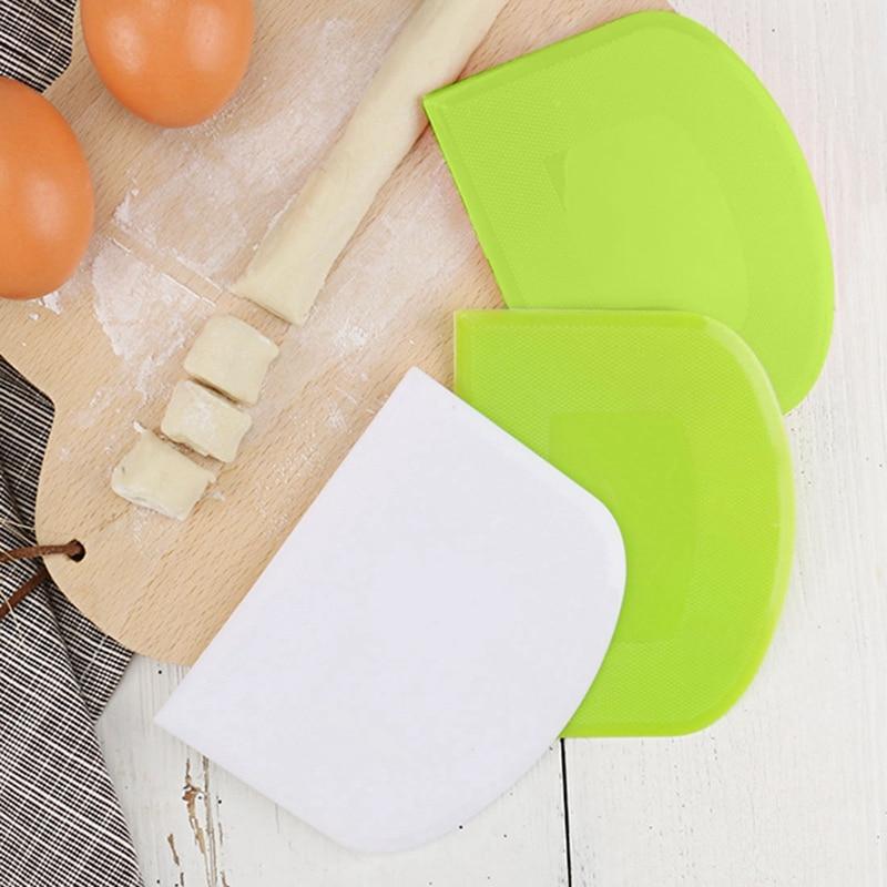 Raspador de massa de alimentos-cortador de massa de plástico seguro flexível assadeira raspador de pastelaria banco raspador de alimentos de múltiplos propósitos para pão