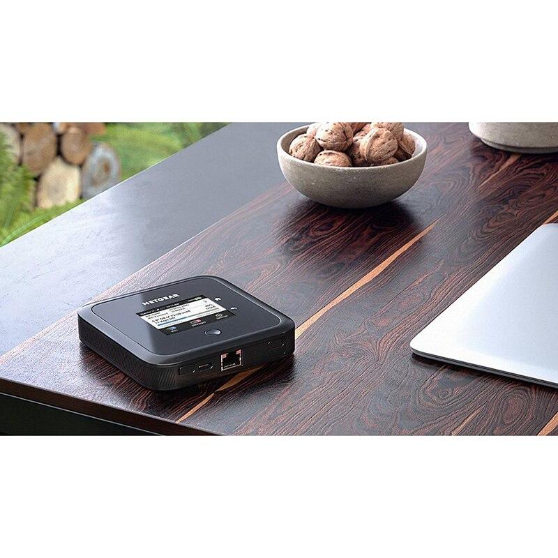 Netgear Nighthawk M5 MR5200 5G NR Sub6 Ghz NSA n1/n3/n5/n7/n8/n20/n28/n38/n40/ n77/n78 Pocket Mifi Modem enlarge