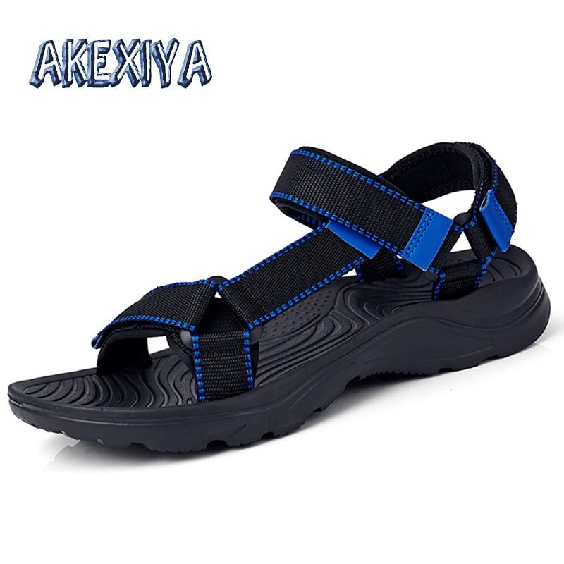 2020 New Mens Gladiator Sandals Summer Hook & Loop Mens Sandals Summer Outdoor Comfortable Mens Beach Shoes Famous Brand Shoe