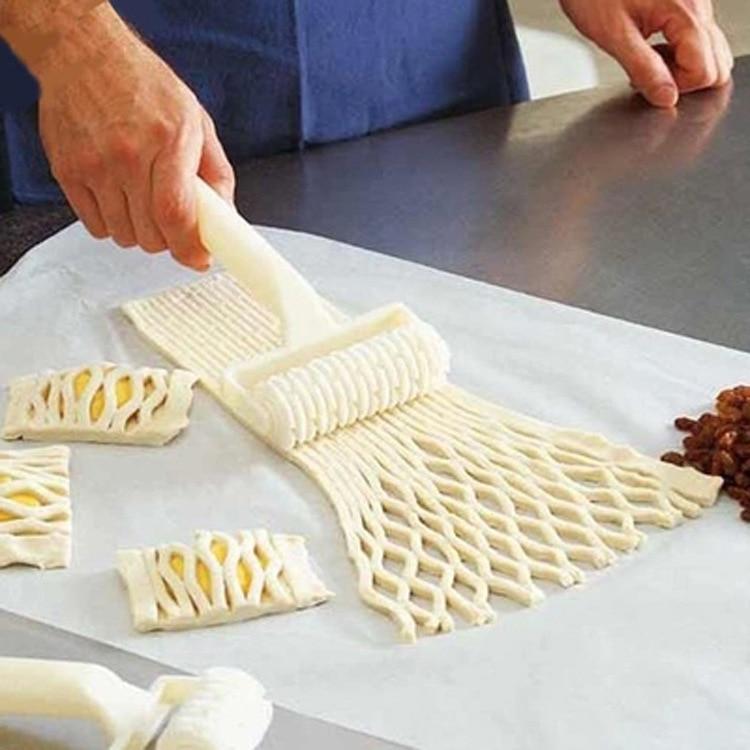 Cortador de rodillos de plástico para pan, Pizza, galletas, pastelería, 1 pieza, cortadora de molde, rodillo de masa en relieve, cortador de celosía, herramientas de cocina para hornear