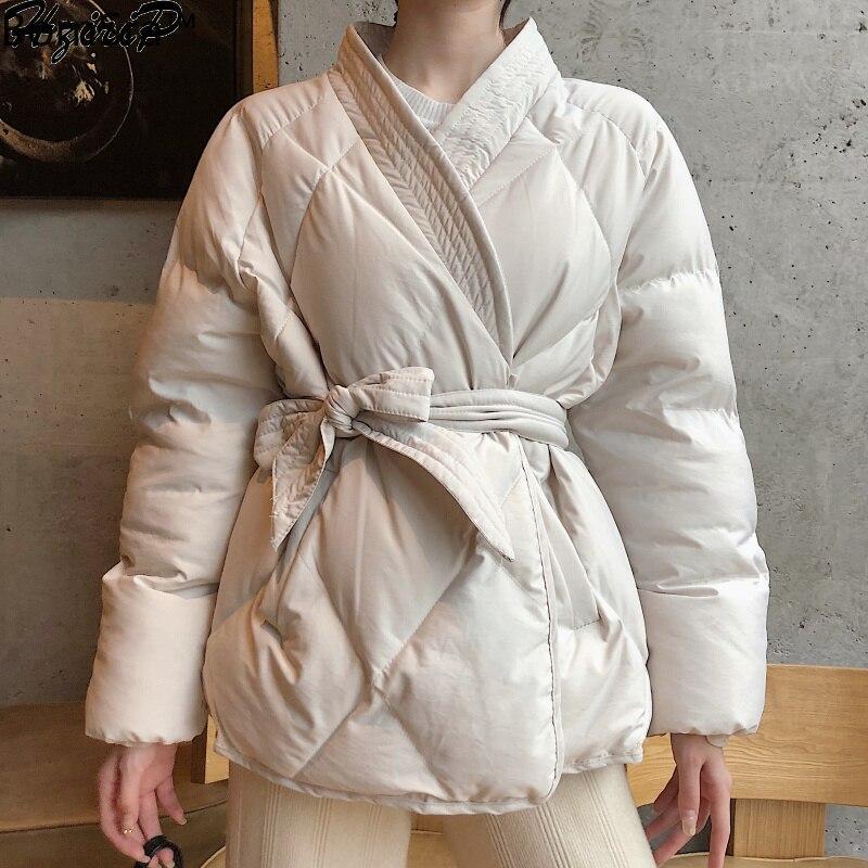Bornsra2020 تصميم جديد شتاء المرأة الصلبة وشاح معطف الإناث سميكة عالية الجودة الطلاب أبلى الحلو المرأة سترة حجم كبير