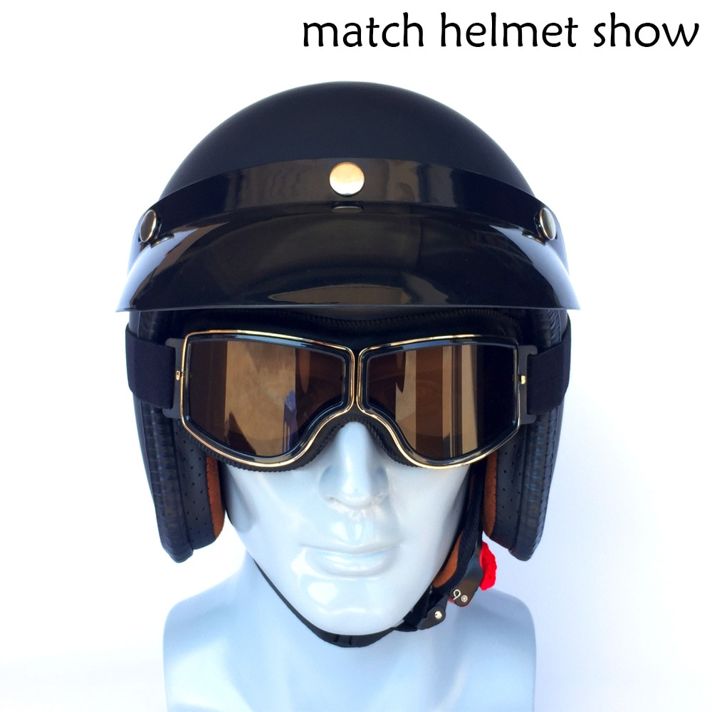 A variety of retro helmets, goggles, cross-country motorcycles, goggles, retro goggles, riding glasses, dazzling colors enlarge