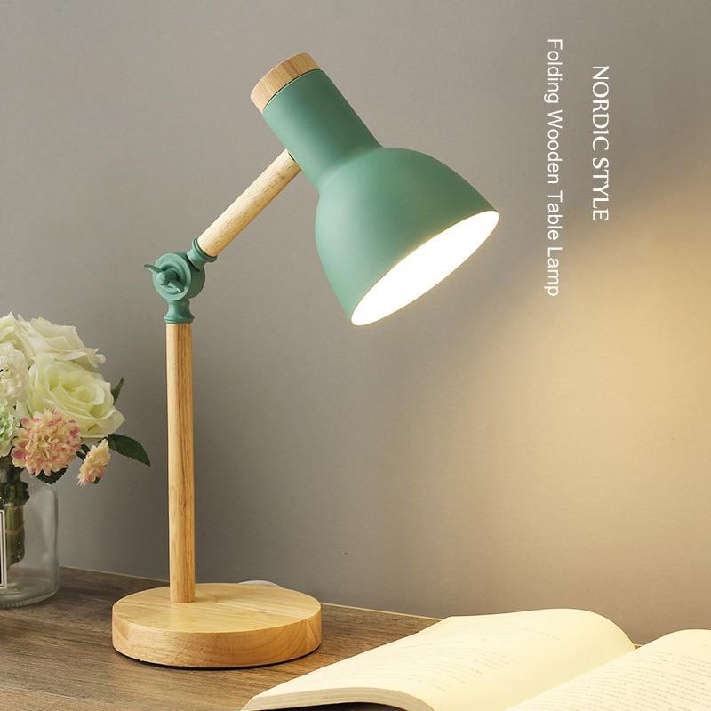 الإبداعية الشمال خشبية الفن الحديد LED للطي بسيطة لمبة مكتب حماية العين مصباح طاولة القراءة غرفة المعيشة غرفة نوم ديكور المنزل