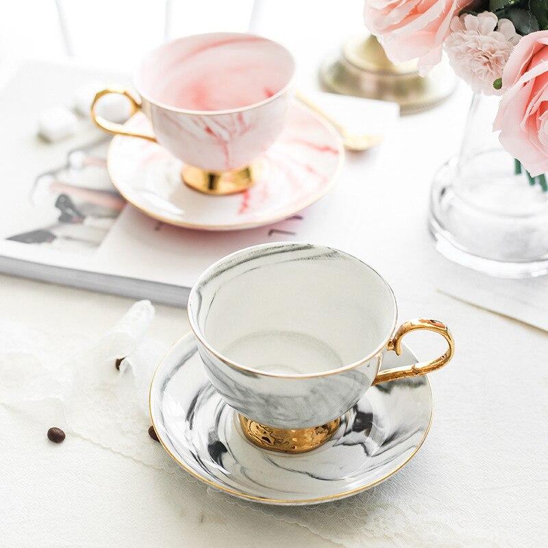 الشمال فنجان القهوة الذهبي أعلى درجة الأوروبي فنجان القهوة طقم أكواب مطبوعة الأزهار العظام الصين فنجان القهوة بعد الظهر فنجان شاي مجموعة