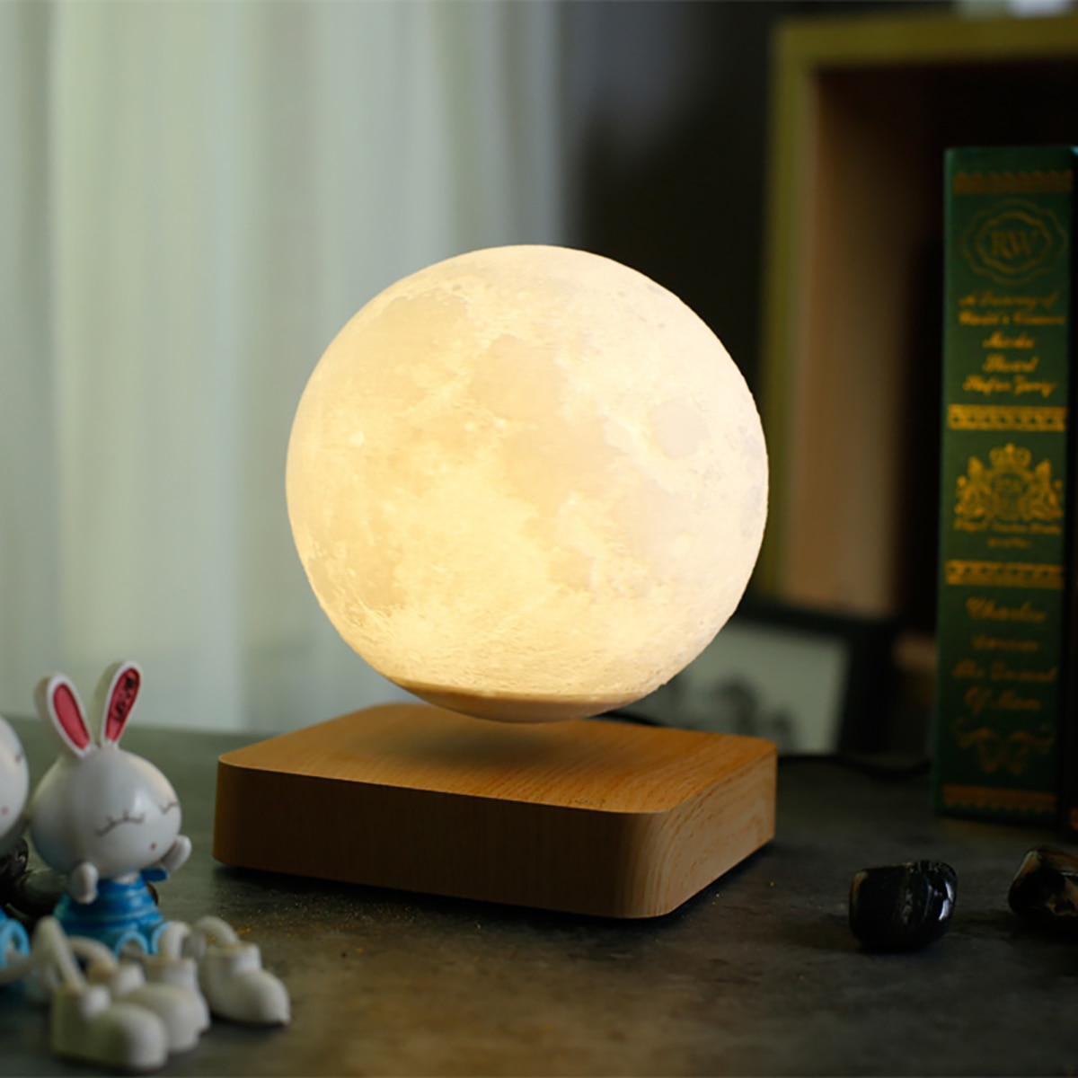 Magnetic Suspension 3D Moon Lamp LED Night Light Floating And Spinning In Air Freely Unique Gifts Home Decoration Holiday Light