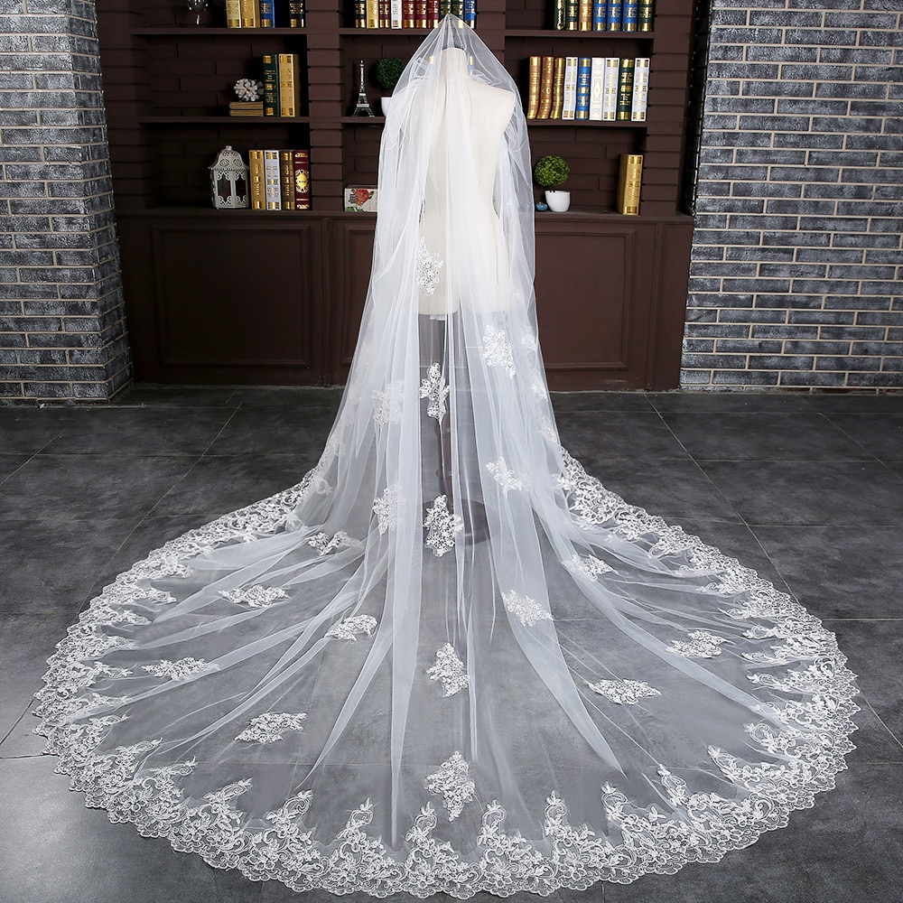 Women Ivory One Layer Wedding Bridal Chapel Veil 3m with Comb Applique Lace Edge Long Veil Bride Accessory Elegant Soft Tulle