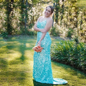 Green Simple Sparking Prom Dress Spaghetti Strap Sleeveless Sequins Straight Sweep Train Women Sexy Party Homecoming Gowns