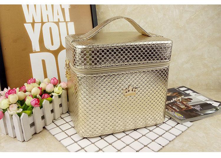 حقيبة مكياج احترافية كبيرة السعة للنساء ، حقيبة مستحضرات تجميل احترافية ، تخزين فرش التجميل ومستلزمات النظافة