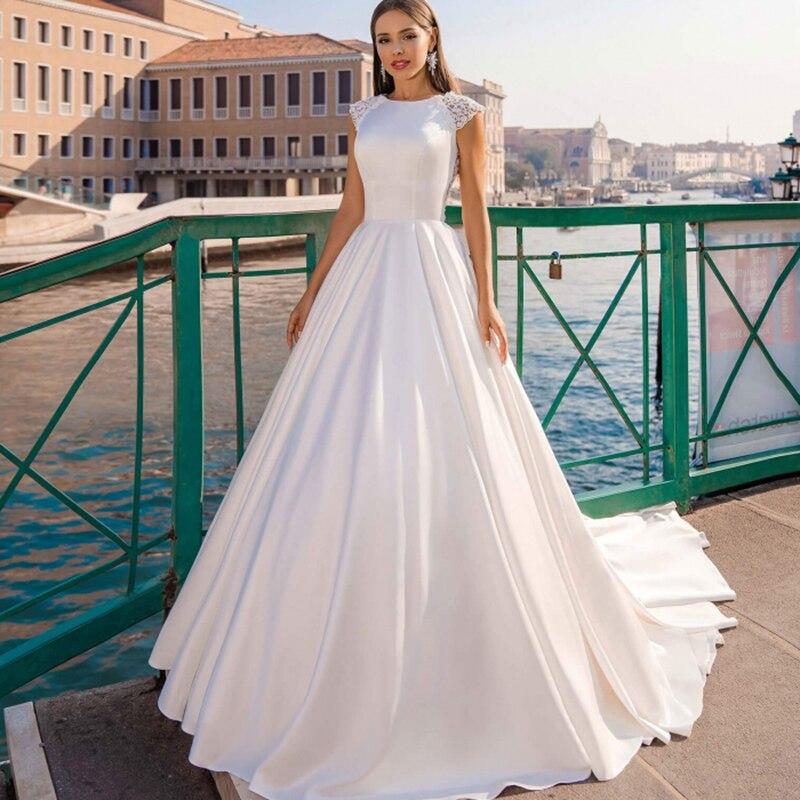 أبيض عاجي ساتان فستان زفاف رسمي بسيط رداء De Soiree Bride a خط ذيل محكمة عروس نمت زر Vestido De Noiva